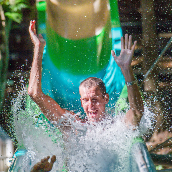Splash Mountain Jungle Water Slide